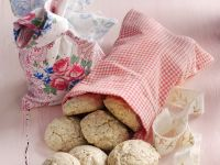 Nutty Macaroon Cookies recipe