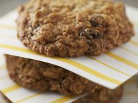 Oat and Raisin Biscuits recipe
