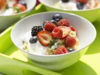 Oatmeal Porridge with Mixed Berries and Almonds recipe