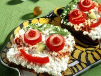 Open-Faced Sandwiches with Cottage Cheese and Vegetables recipe