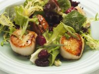 Pan-Seared Scallops Salad recipe