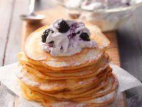 Pancakes with Blackberry Cream recipe