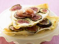 Pancakes with Figs, Prosciutto and Mozzarella recipe