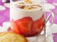 Panna Cotta with Strawberries and Almonds recipe