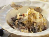 Stringozzi with Cream Sauce and Shaved Truffles recipe