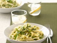 Pappardelle with Leeks, Peas and Mint recipe