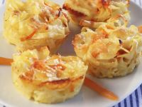 Pasta Muffins with Carrots recipe