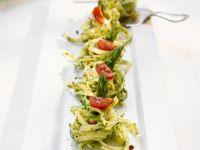 Pasta Nests with Asparagus and Tomatoes recipe