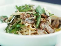 Pasta with Arugula and Mushroom Sauce recipe