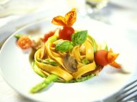 Pasta with Asparagus, Chestnut Mushrooms and Tomatoes recipe
