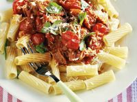 Pasta with Bacon and Tomato Sauce recipe