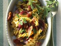 Pasta with Bacon, Cheese and Red Onions recipe