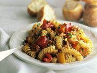 Pasta with Bell Peppers and Pine Nuts recipe