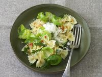 Pasta with Brussel Sprouts and Garlic Sauce recipe