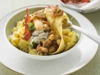 Pasta with Chanterelle Mushrooms, Ricotta and Bacon recipe