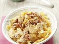 Pasta with Chicken and Sun-Dried Tomatoes recipe