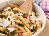 Pasta with Dried Tomatoes and Pine Nuts recipe