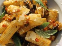 Pasta with Eggplant and Basil Sauce recipe