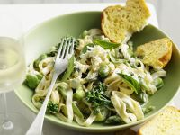 Pasta with Green Vegetables and Gorgonzola recipe
