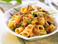 Pasta with Mushroom and Ground Meat Sauce recipe