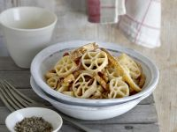 Pasta with Pears and Walnuts recipe