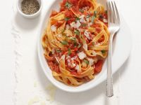 Pasta with Spicy Tomato and Bacon Sauce (Amatriciana) recipe