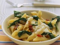 Pasta with Spinach, Bacon and Garlic recipe
