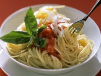 Pasta with Tomato Sauce, Parmesan and Basil recipe