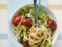 Pasta with Tomatoes and Zucchini recipe