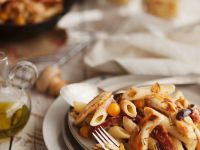 Pasta with Tomatoes, Olives and Chicken Breast recipe
