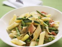 Pasta with Vegetables and Prosciutto recipe