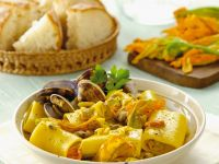 Pasta with Zucchini Flowers and Clams recipe
