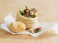 Pastry Cups Stuffed with Mushrooms and Asparagus recipe