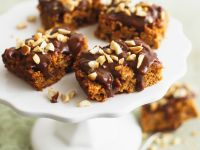 Peanut and Oat Bars with Chocolate recipe