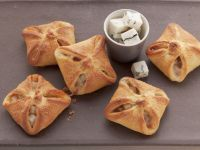 Pear and Mango Pastries with Gorgonzola recipe