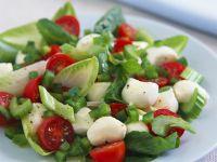 Pepper and Tomato Salad with Mozzarella recipe