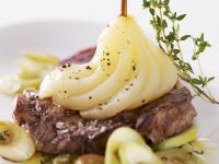Peppery Steaks with Fruit recipe