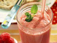 Pineapple, Raspberry and Yoghurt Smoothie recipe