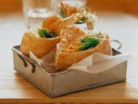 Pita Sandwiches with Chicken Filling recipe