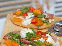 Pizza with Prosciutto and Arugula recipe