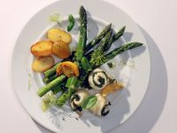 Plaice Fillets with Asparagus and Pesto recipe