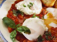 Poached Eggs in Tomato Sauce recipe