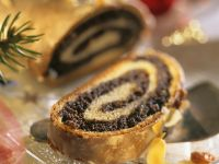Poppy Seed and Raisin Strudel recipe