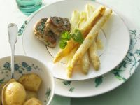 Pork Medallions with Asparagus Au Gratin and Potatoes recipe