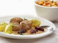 Pork Tenderloin with Plums and Potatoes recipe