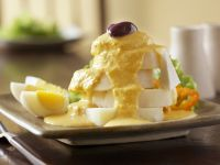 Potato and Egg Salad with Spicy Yellow Pepper Sauce recipe