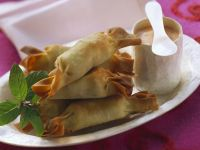 Potato and Mint Pastry Crackers recipe
