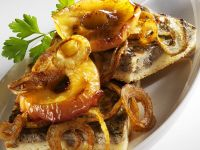 Potato Cake with Liver, Apple and Onion recipe