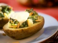 Potatoes Stuffed with Mozzarella, Spinach and Pine Nuts recipe