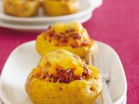 Potatoes Stuffed with Vegetables recipe